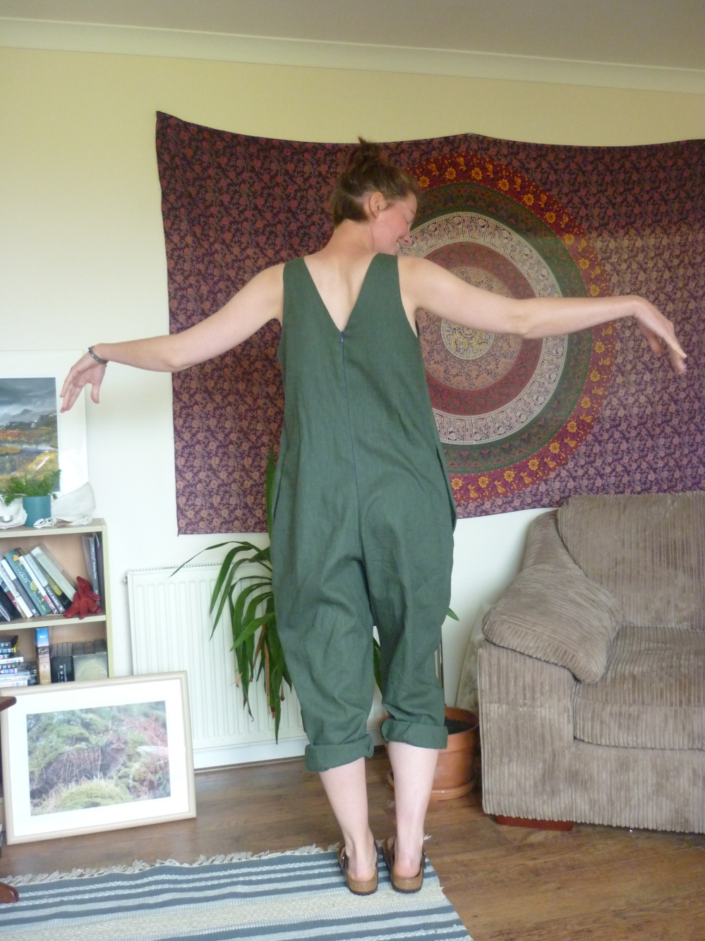 In the folds peppermint jumpsuit Heatherymakes (4)