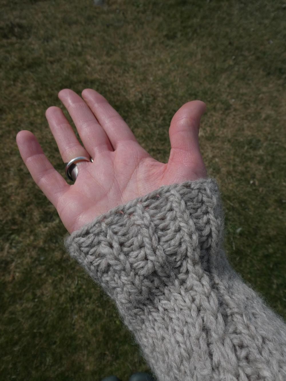 Ursa sweater Jacqueline Cieslak www.heatherymakes.wordpress.com (1)